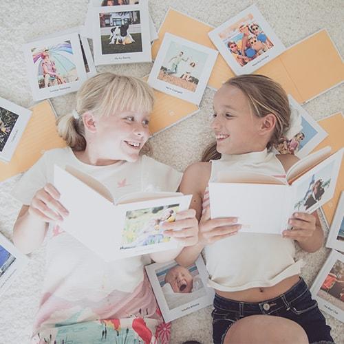 Kids reaading books